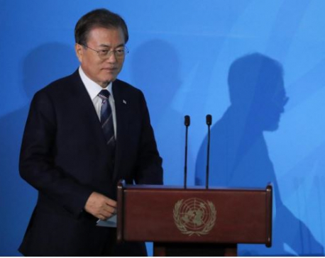 Moon, Abe back dialogue to resolve South Korea-Japan dispute - South Korea