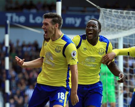 Everton beats West Brom 2-1