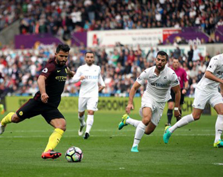 Aguero returns in style for Man City