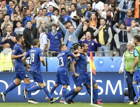 Italy ends its losing run against Spain with 2-0 win
