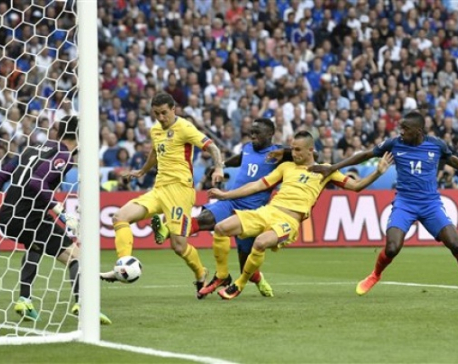 Payet lifts France over Romania 2-1 in Euro 2016 opener