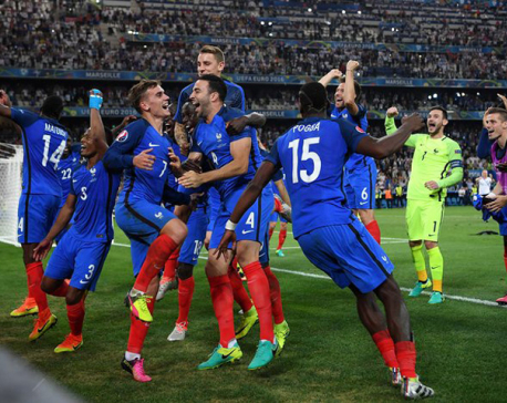Griezmann's double gives France 2-0 win over World Champions