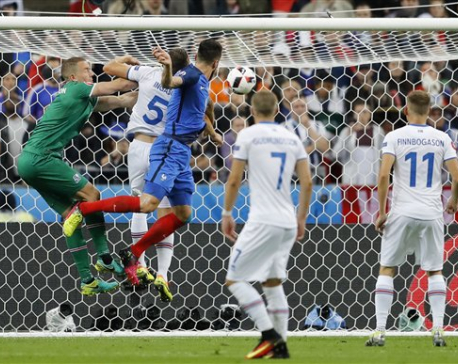 France beats Iceland 5-2, setting up semifinal with Germany