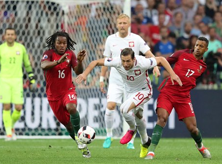 Portugal leaves it late AGAIN to beat Poland, marches on to semis