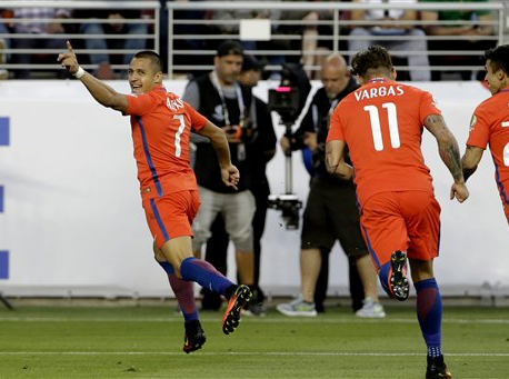 Chile routs Mexico, defending champions advance to semis