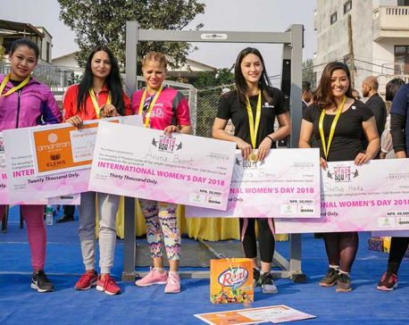 Hada, Banu lifts women squat titles
