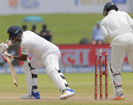 India bats again despite 309-run lead vs. Sri Lanka