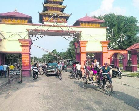 Tourists flow via Kakarbhitta on the rise