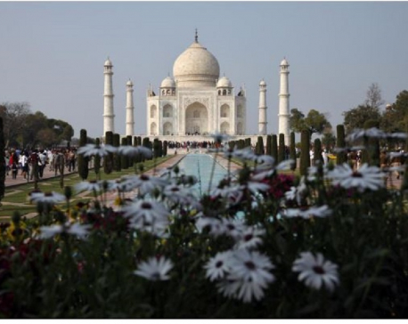 Coronavirus closes India's Taj Mahal, Mumbai to keep half its office workers home