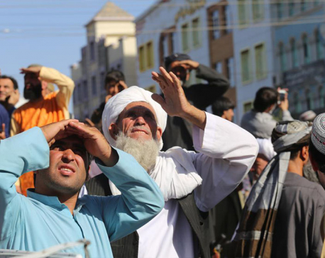 Taliban hang body in public; signal return to past tactics