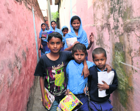 In lack of good schools in Siraha, children go to Indian schools