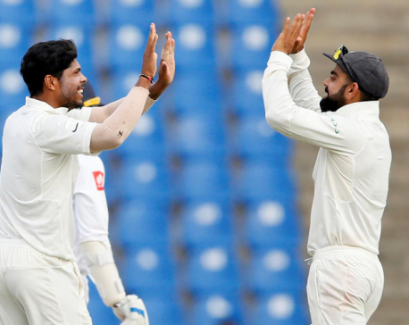 Sri Lanka staring at massive defeat, series whitewash