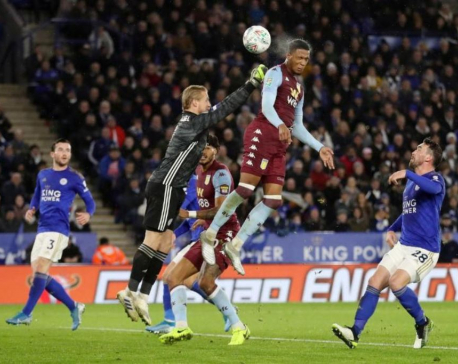 Striker-less Villa hold on for draw at Leicester