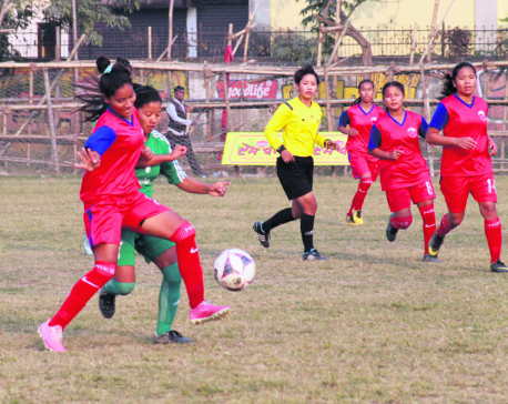 Semifinal line up completes in women football