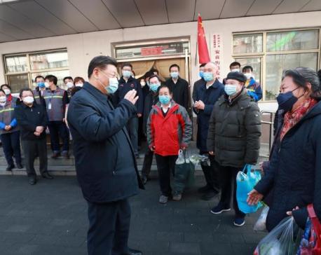 Coronavirus deaths in China top 1,000 as investors seek safety in gold, dollars