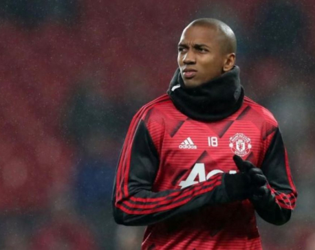 Inter agree deal to sign Man United captain Young - reports