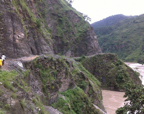 At least six persons missing as jeep plunges into Arun River