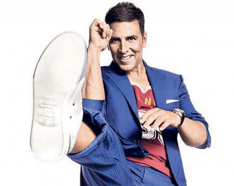Akshay does cradle pose with Asin's newborn