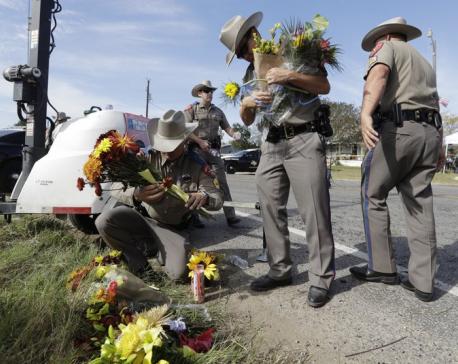 Texas church gunman sent hostile text messages before attack