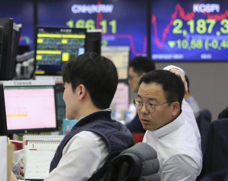 Global stocks mixed, Wall Street rises amid trade optimism