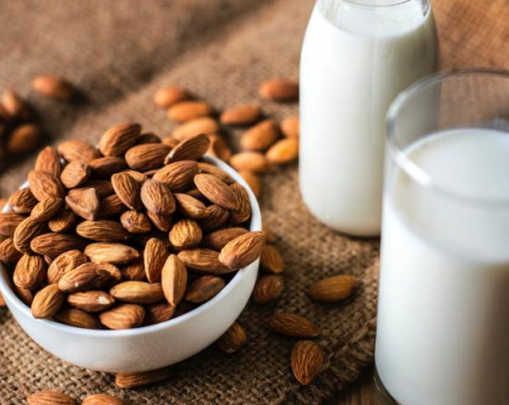4 Beauty benefits of applying milk on your skin