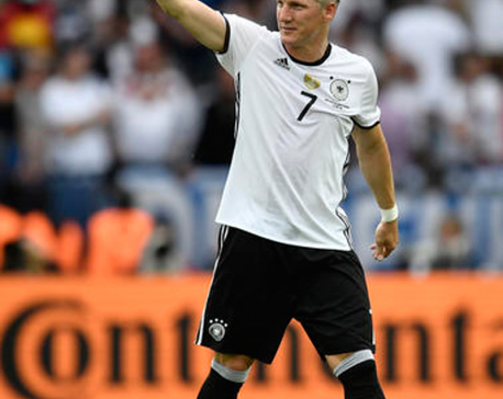 Schweinsteiger rules out move to another European club