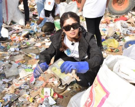 Bhumi Pednekar participates in beach-cleaning drive in Mumbai