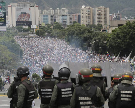 Clashes in Venezuela as Maduro starts constitutional rewrite