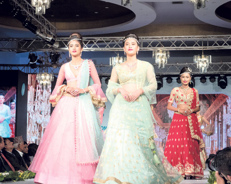 Classic's Show Concludes Amid Glitz And Glam