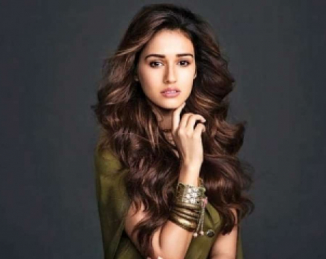 Disha Patani is spending time with her cat at home