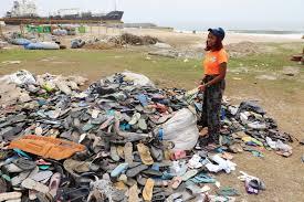 Nigerian artist turns plastic waste into fashion to raise awareness
