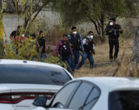 Gunmen kill 13 police in daytime ambush in central Mexico