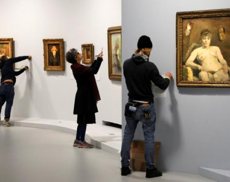 Paris mounts first Toulouse-Lautrec exhibition in three decades