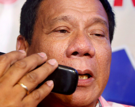 'The CIA is listening & may kill me': Duterte mulls ditching his smartphone