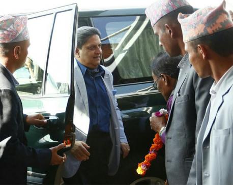 Ex-King Gyanendra leaves for Singapore