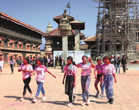 COVID-19 fear hampers Holi celebrations in Valley