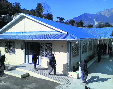 32 months after quake, hospital finally gets its building