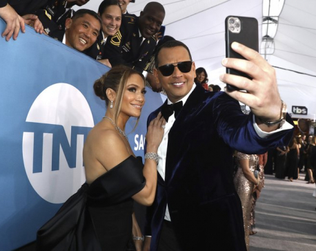 J-Rod continues: Lopez, Rodriguez say they're still together