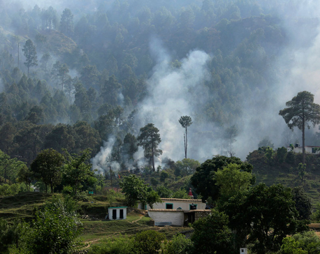Pakistani, Indian troops trade fire in Kashmir, wounding 2