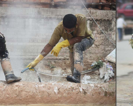 Daily wage earners continue their day despite restrictions (photo feature)