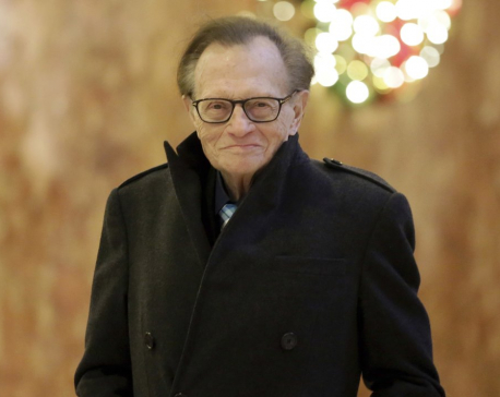 Larry King, broadcasting giant for half-century, dies at 87