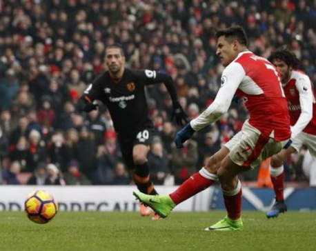 Liverpool halt Spurs run, Arsenal and United win