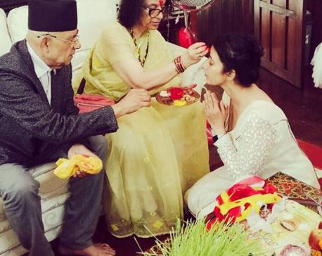 Celebrities glitter in Dashain (Photo feature)