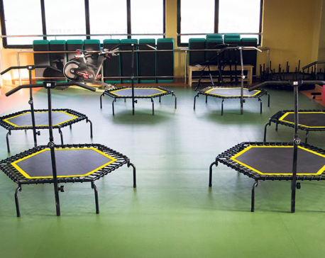 Mini-trampoline to stay fit and fab