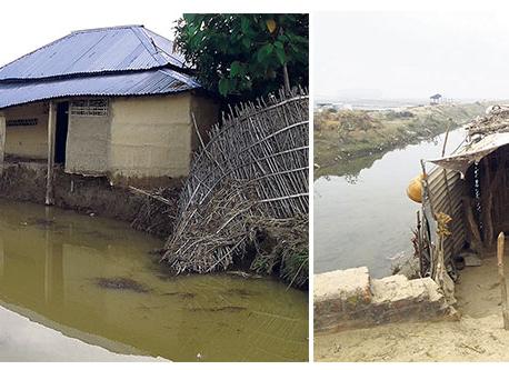Nearing monsoon makes flood victims restless