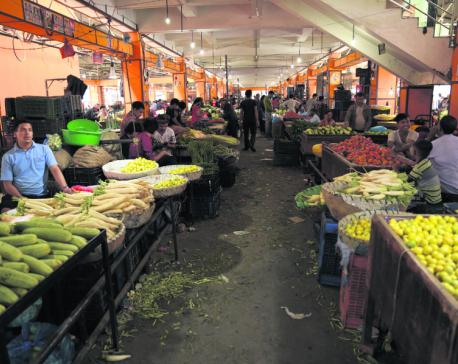 Vegetable market unshaken by obstructions along Narayanghat-Mugling road