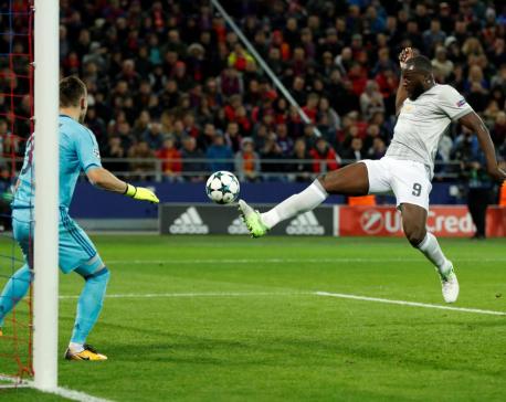 No rest yet for red-hot Lukaku, says Mourinho