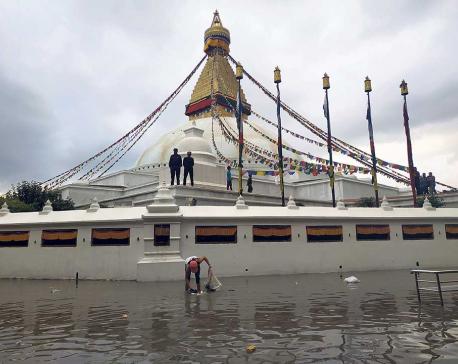 Bouddha Premises Submerged wading ankle-deep