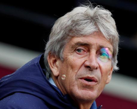 West Ham's Pellegrini sacked, Leicester back on track