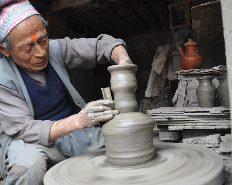 Machinery molding pottery tradition